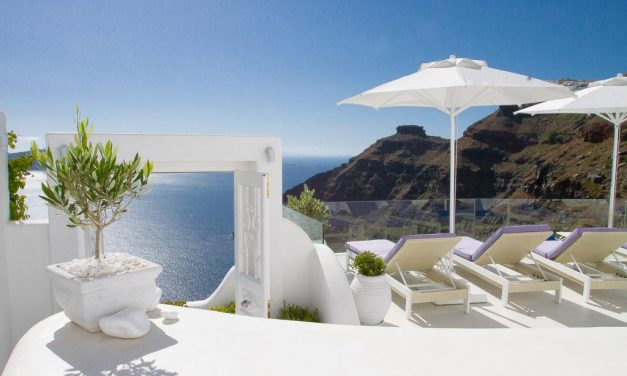 WOW! Hotel Dana Villas Santorini aanbieding | 4* €45,- per persoon!
