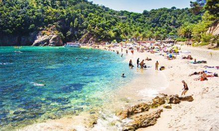 Last minute vakantie Costa Brava   vlucht + hotel v/a €89,- per persoon