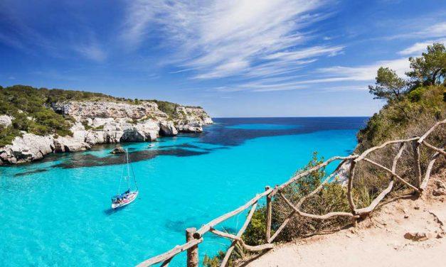 In de zomervakantie retour Menorca voor €99,- p.p. | budget deal