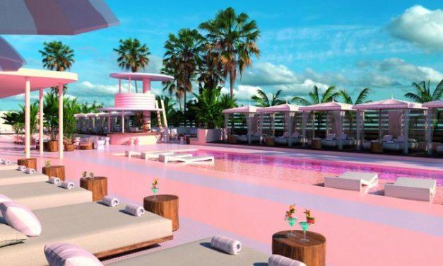 Vakantie in 't beroemde roze hotel op Ibiza | 4* Paradiso Art €295,-