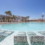 Super-de-luxe 5***** all inclusive Ibiza   8 dagen €626,- per persoon