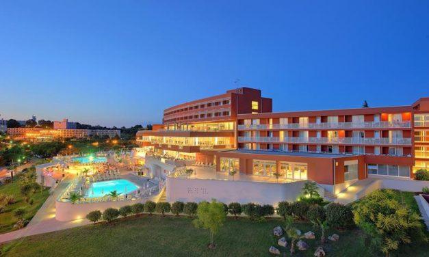 4* all inclusive Kroatie   vluchten, transfers & hotel €394,- p.p.