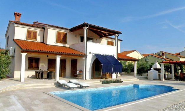 Last minute 4* Kroatie | vlucht + transfer + appartement (8,6) €219,-
