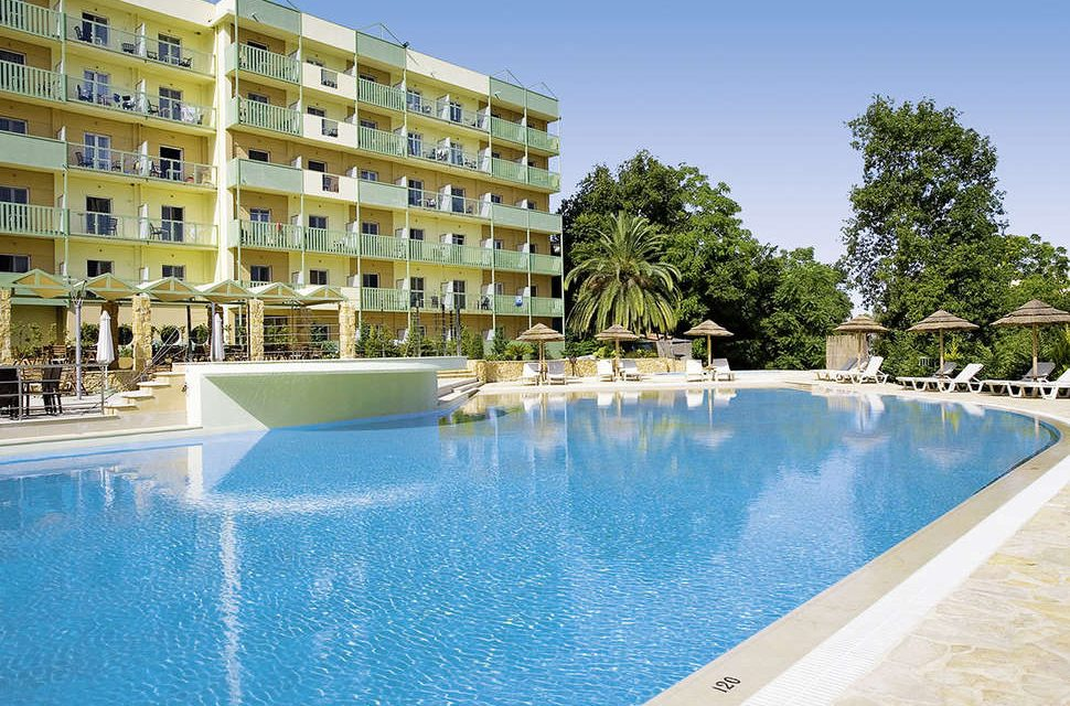 SUPER last minute @ Corfu   4* hotel + ontbijt & diner €472,- p.p.