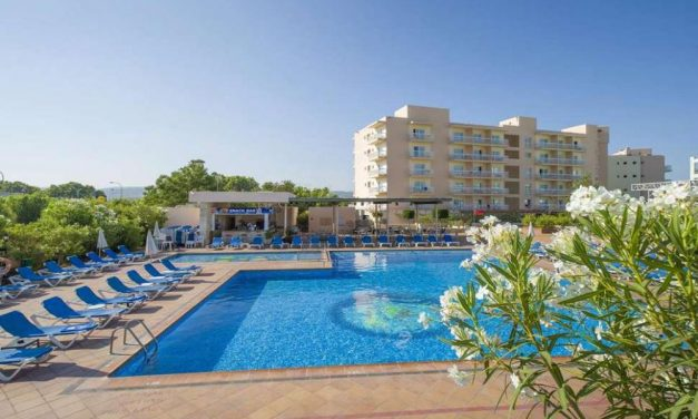 Adults only: 8 dagen in mei @ Ibiza   inclusief ontbijt & diner €344,-