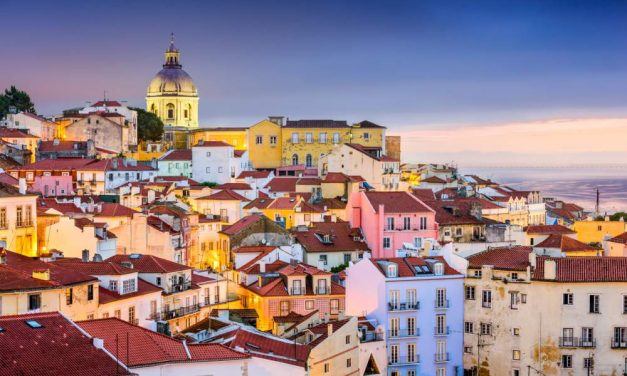Kerst in sfeervol Lissabon | incl. ontbijt + kerstdiner & meer €379,-