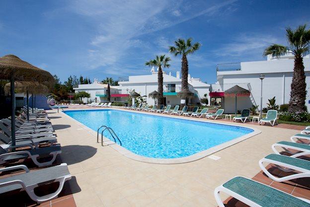 10-daagse vakantie naar de Algarve   april 2019 voor €182,- p.p.