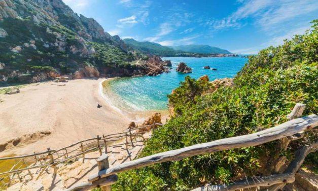 Last minute 4* vakantie Sardinie voor €280,-   Vluchten + verblijf