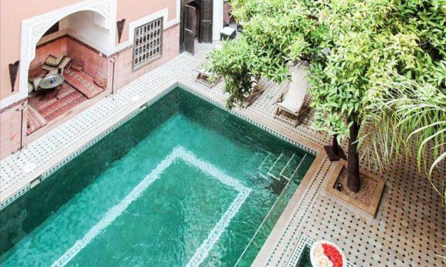 Must visit Marrakech €252,-   Authentiek 4* hotel (9,7/10) & ontbijt