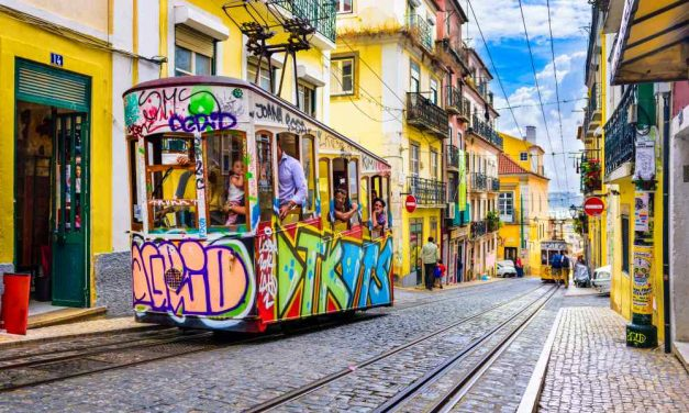 Op naar 't kleurrijke Lissabon | Vluchten & verblijf voor maar €183,-