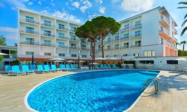 YES! Vier vakantie op zonnig Ibiza | Last minute = €384,- per persoon