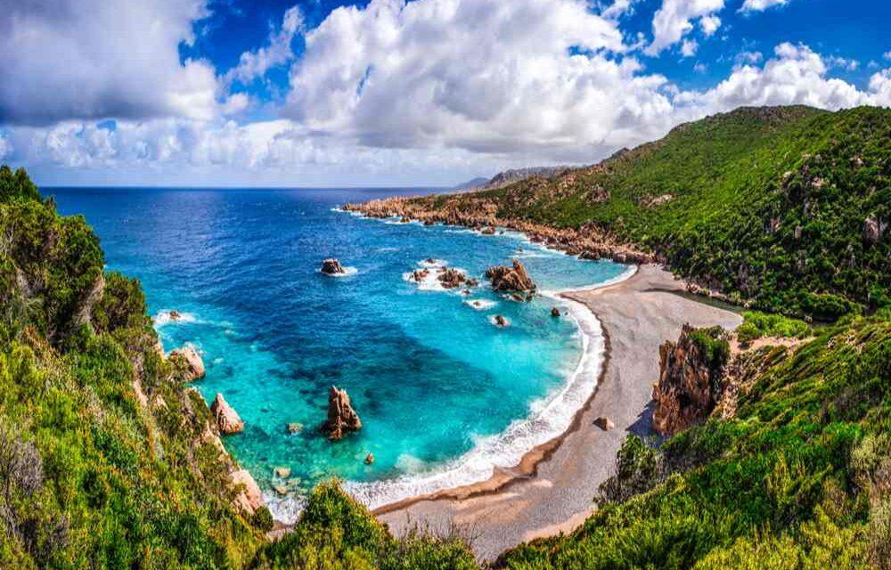 Lekker nazomeren op Sardinie | Vluchten + luxe 4* verblijf voor €248,-