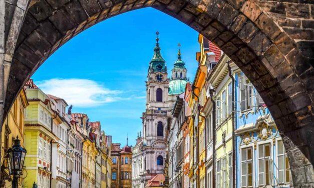 Ontdek samen het mooie Praag | Incl. ontbijt in 4* hotel voor €149,-