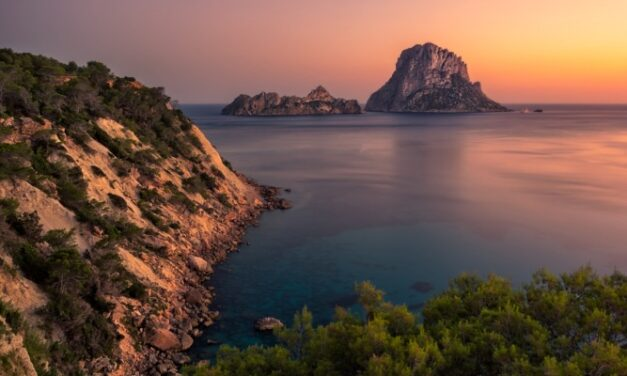 Nazomeren op zonnig Ibiza | 4-sterren hotel incl. vlucht €229,-