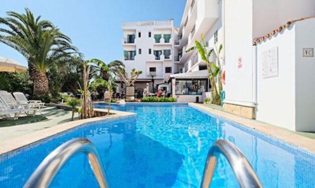 Hey! We're going to Ibiza | 9-Daagse zonvakantie incl. ontbijt voor €239,-