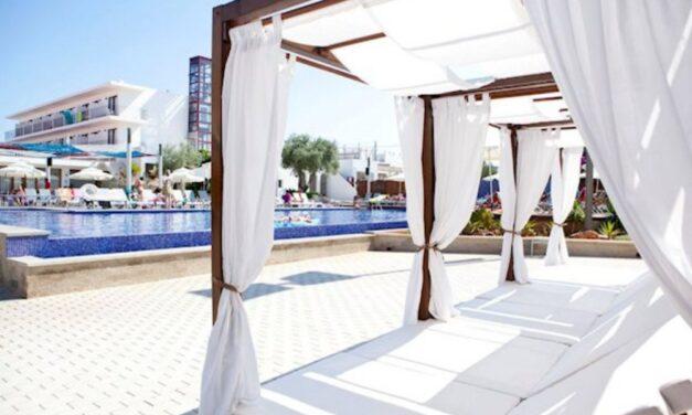 Hey! We're going to Ibiza | 10-Daagse zonvakantie incl. ontbijt = €369,-
