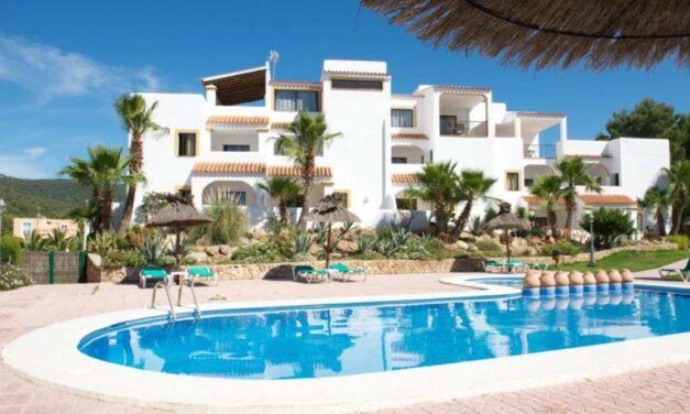 Wow! We're going to Ibiza   Vlucht + 8 dagen verblijf in juni = €349,-