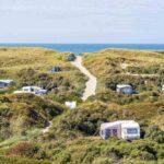 Zomervakantie: unieke kampeerplek in de duinen | Midweek maar €142,-