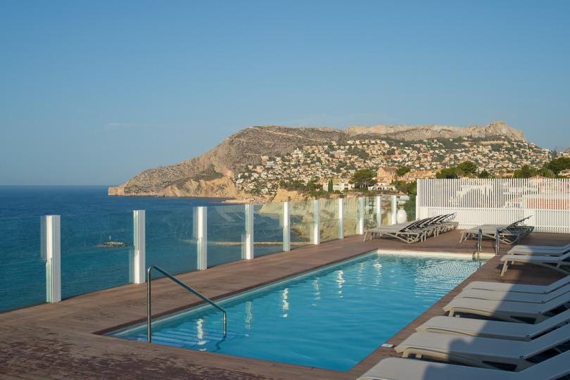 4* Costa Blanca deal   Luxe verblijf met rooftop pool in oktober €429,-