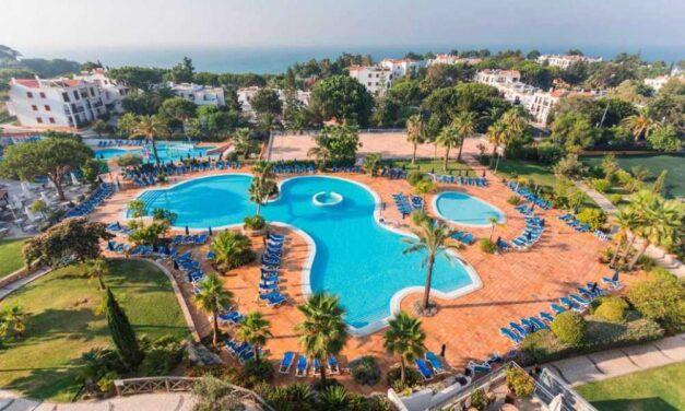 BIZAR! Nazomeren in de Algarve €169,- | Vlucht, transfer & 4* hotel (9/10)