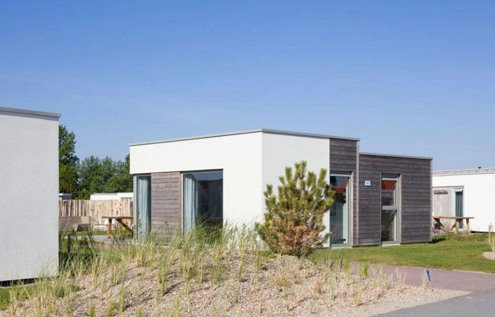 Luxe Roompot beach lodge (4p) in Zeeland | Al te boeken V/A €75,-