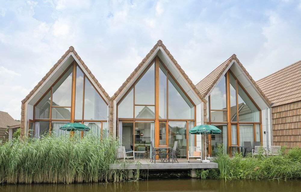 Landal De Reeuwijkse Plassen   Luxe waterwoning met sauna