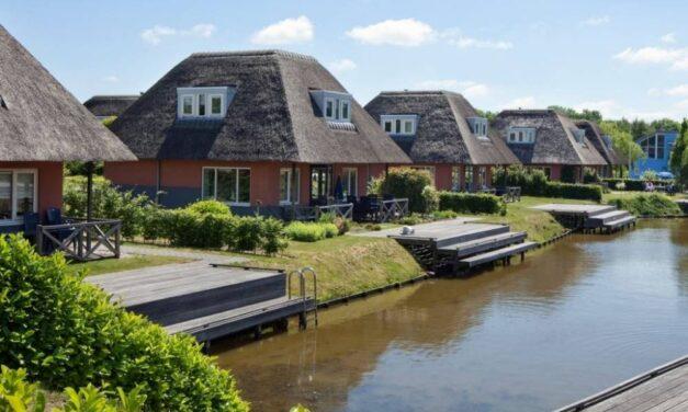 Luxe villa aan het water   Midweek Landal De Bloemert in Drenthe