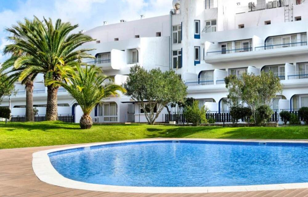 YES! 8-daagse 4* vakantie naar de Algarve | Incl. elke dag ontbijt €214,-