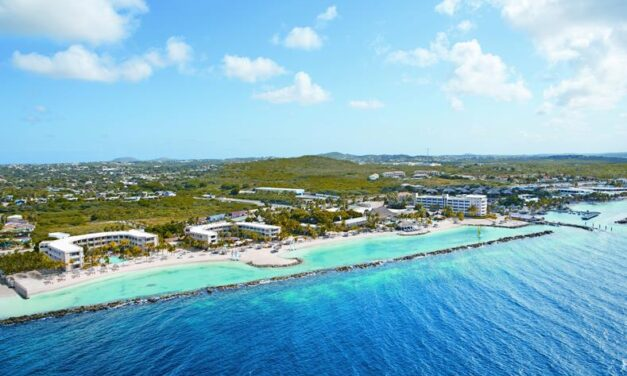 All inclusive Curacao in oktober | 4* resort aan Mambo Beach 53% korting