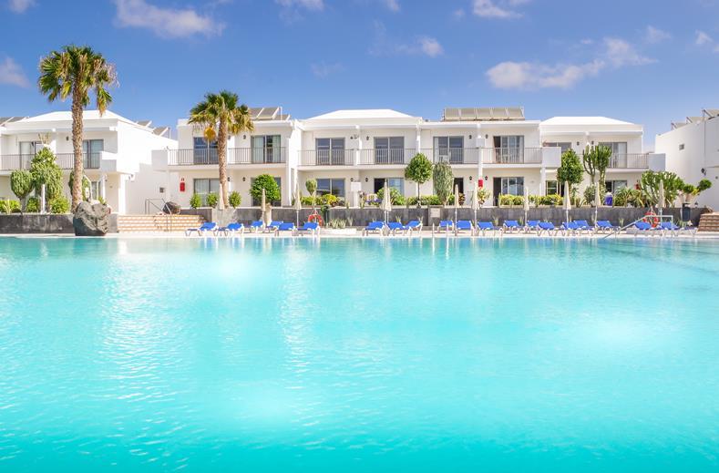 Weekje all inclusive Lanzarote €499,- | Aan 't strand van Puerto del Carmen