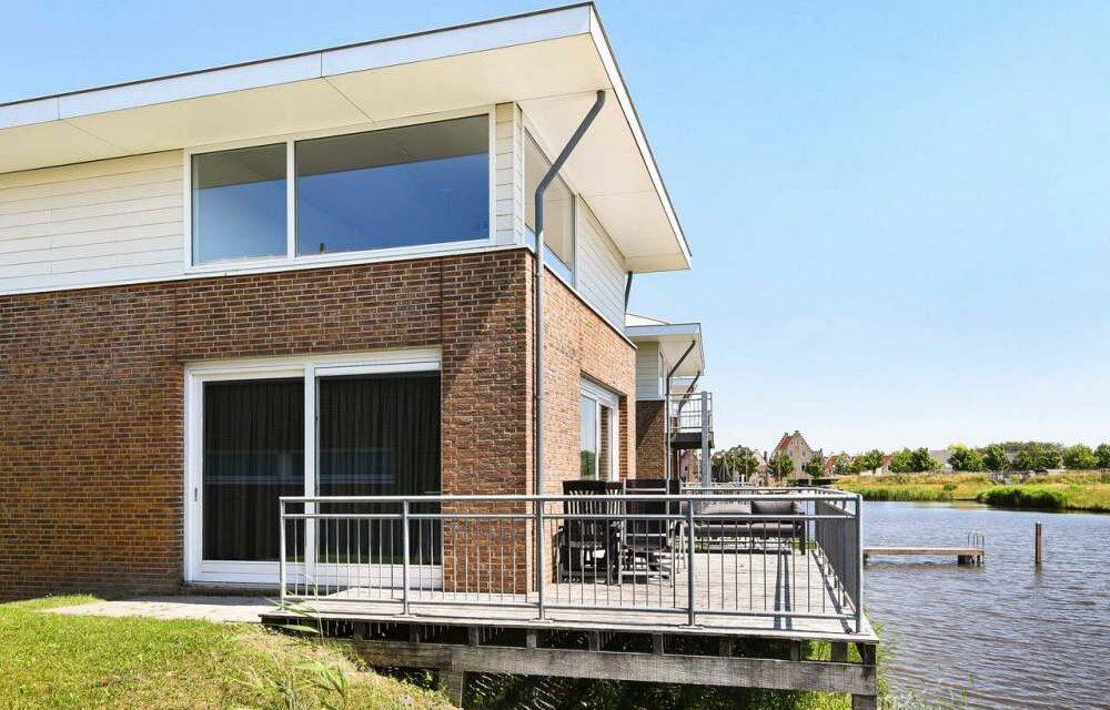 Luxe villa mét sauna aan het water | Landal Esonstad in Friesland