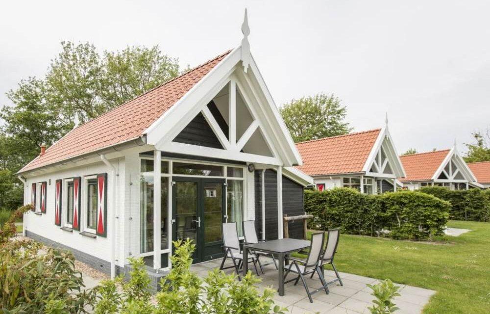 Knus 2-persoons huisje met sauna €199,-   Landal Resort Haamstede