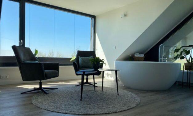 Nachtje weg in Friesland V/A €177,- | Luxe ligbad, geweldig uitzicht & meer
