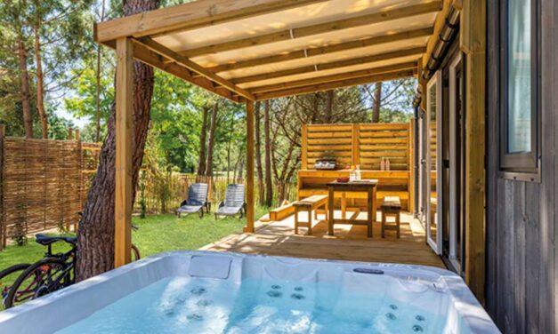 Wow! Huisje mét jacuzzi @ 5* camping Frankrijk   In augustus 30% korting