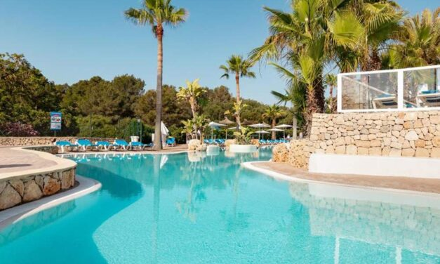 4* all inclusive Mallorca €399,- | Luxe hotel in de haven van Cala d'Or