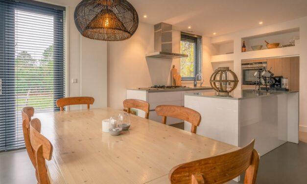 Super-de-luxe villa op Texel bij het bos | Last minute midweek €119,- p.p.