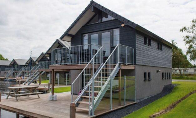 Landal Waterpark Sneekermeer | Luxe villa aan 't water met 40% korting