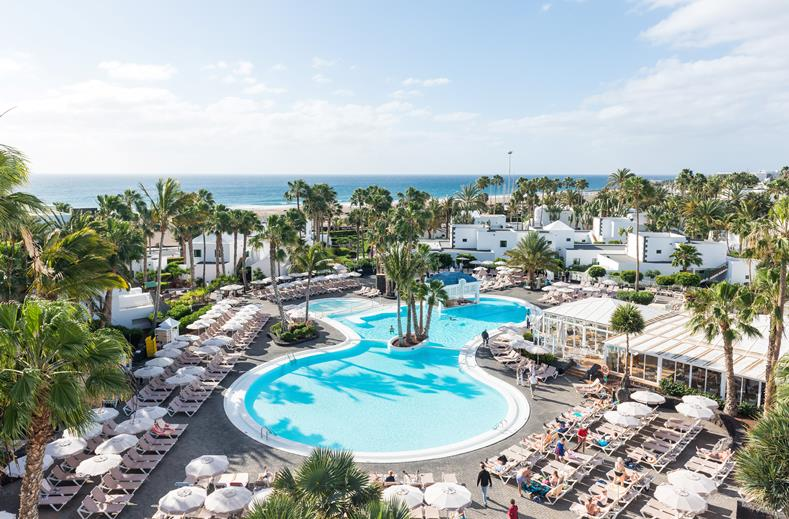 4* RIU Paraiso Lanzarote Resort   8 dagen voor maar €499,- per persoon