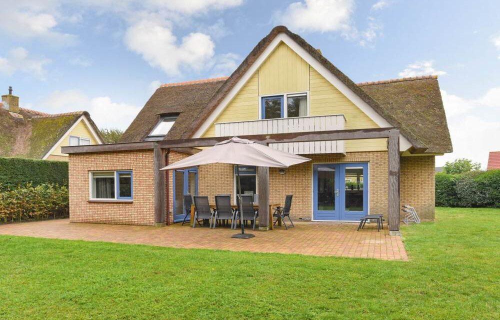 Wow! Luxe villa vlak bij 't strand op Texel   Landal nu met 20% korting