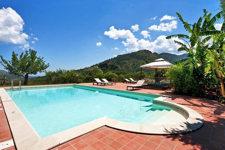 Zomervakantie 2021: 4* resort op Sicilië   Ontbijt + huurauto €564,-