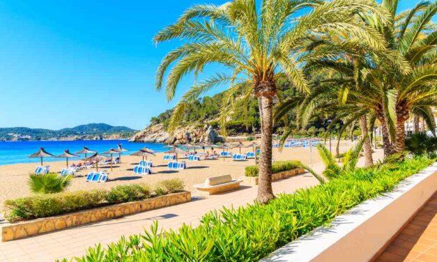 Bizar: 8 dagen all inclusive Ibiza €389,-   Vlucht + hotel aan 't strand