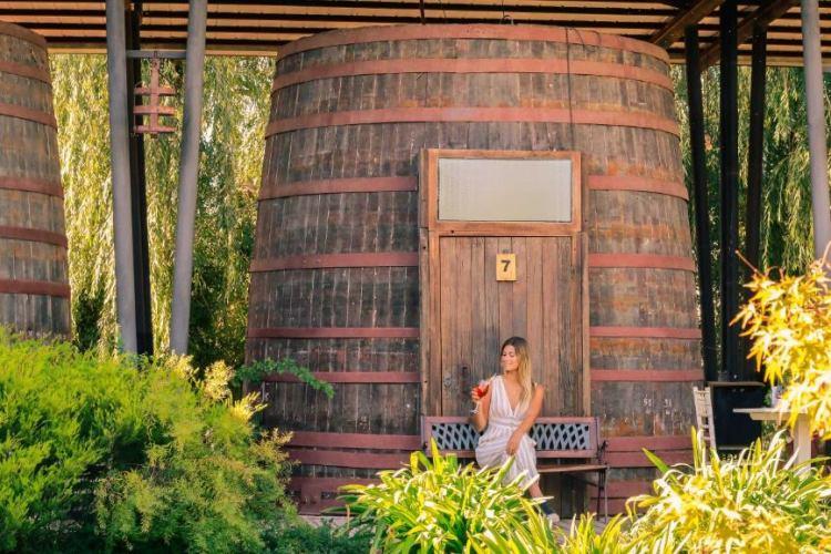 Overnachten in een wijnvat