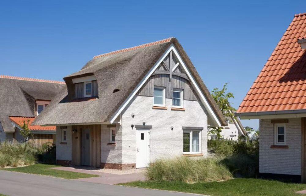Villa mét sauna 39% korting   Beach Resort Nieuwvliet-Bad in Zeeland