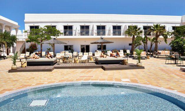 Fuerteventura mét huurauto €329,- | 4* hotel met rooftop bar & ontbijt