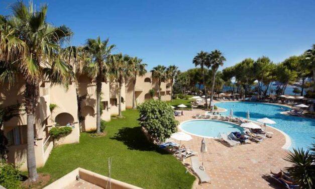 Last minute Ibiza | 4* SPA resort in Santa Eularia mét ontbijt €496,- p.p.