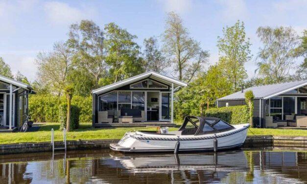Luxe chalet (4p) aan 't water @ Friesland   4-daags verblijf NU €277,-